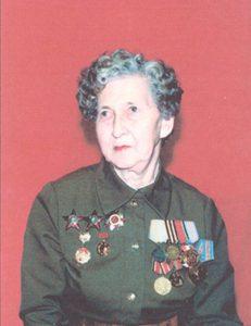 Речняк Нина Тимофеевна, лейтенант в отставке