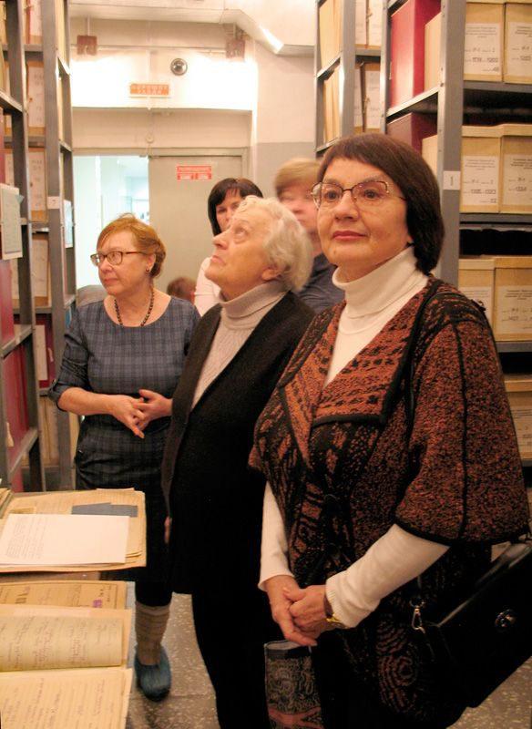 Экскурсия для членов Общественного Совета в архивохранилище ГААОСО. 06.02.2019