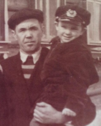 На снимке: слева Рыжков Александр Александрович. (Фото из личного архива)