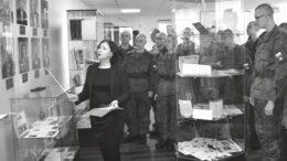 Во время экскурсии в архиве муниципального образования «поселок Уральский»