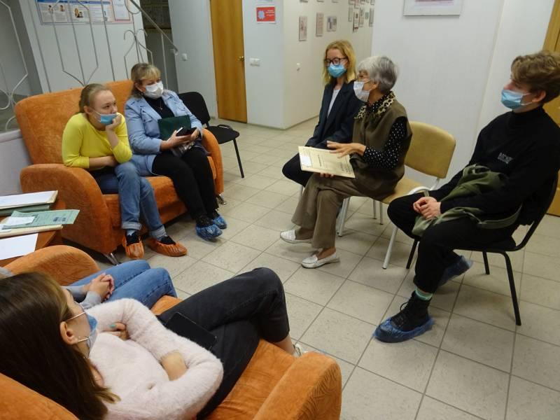 И.В. Каменева проводит экскурсию