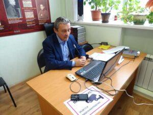 И.Н. Демаков выступает с докладом